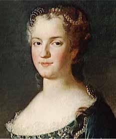 Năm 1738, Marie Leszczynska, vợ vua Louis XV nước Pháp, đã trang hoàng một cây Noël trong lâu đài Versailles.